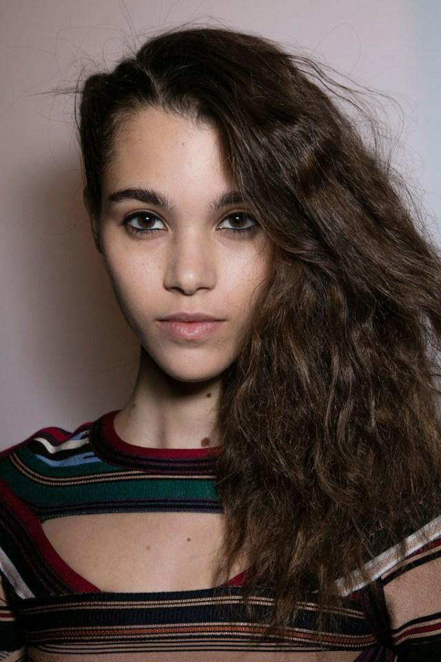 2016 Fall / Winter 2017 Hairstyles – Looks On The Runway - crazyforus