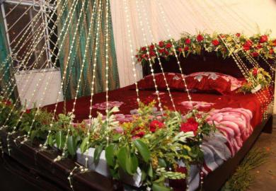 Bridal Wedding Bedroom Decoration Ideas With Flowers