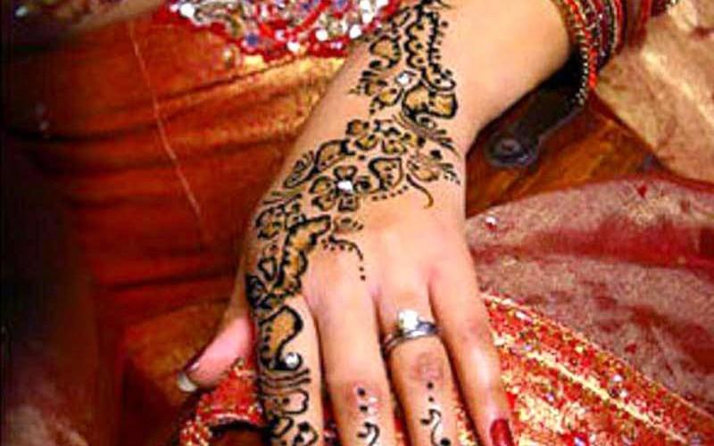 Asian Women Bridal Mehndi Designs For Weddings In 2015