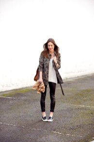 Winter Casual Outfits Of Different Styles For Women 16