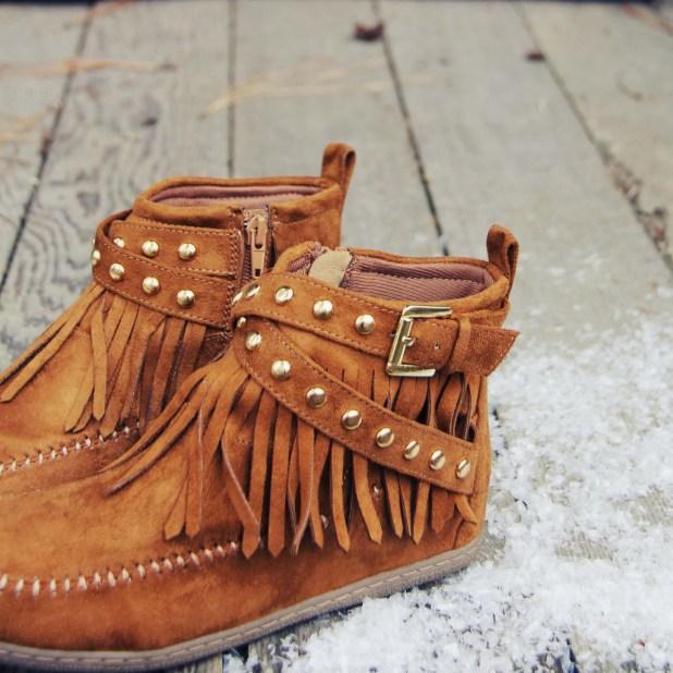 Fringe moccasins shoes