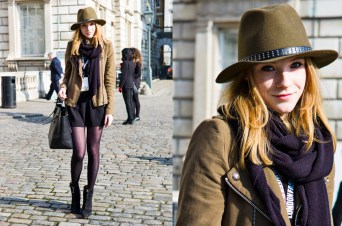 Black Tights Winter Outfits Trends For Women 17
