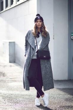 Hair Under Winter Hats Styling Ideas Women Should See 13