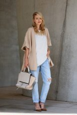 Beige Coat Styles Women Should Try In Cold Days 5