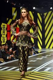 Syra Rizwan Runway Collection Party Wear 2016 2