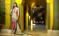 saira-hassan-velvet-embroidered-winter-dresses-2016-17-5
