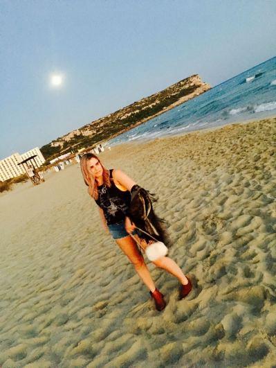 Pixie Tenenbaum Sant Tomas Beach Outfit Post Boho Sunset