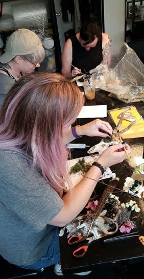 close up image of Blogger Pixie Tenenbaum decorating a roe skull as part of a skull decorating workshop with Moth Studios in Newcastle. - Fashion Voyeur Blog