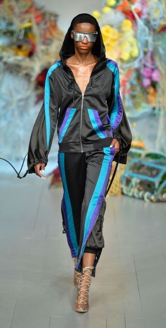 Fyodor Golan SS19 runway show at London Fashion Week shot by Chris Moore for Fashion Voyeur Blog Look 41