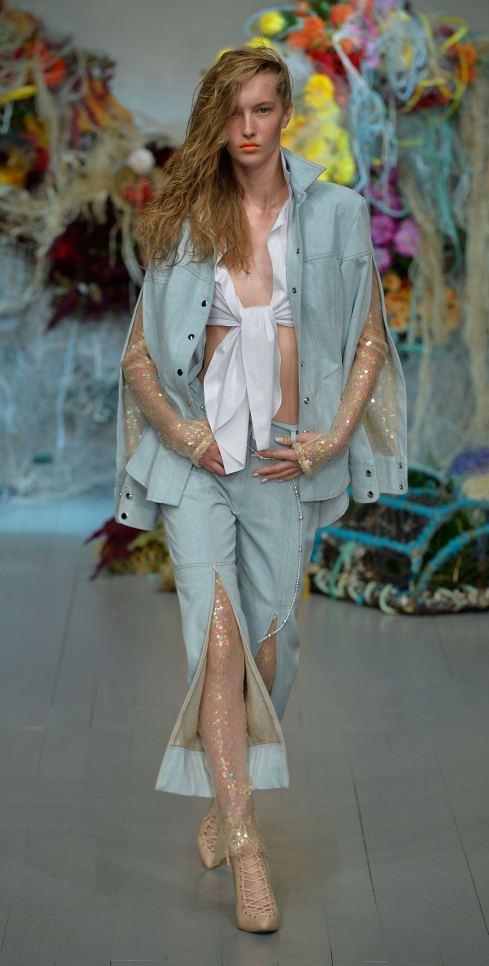 Fyodor Golan SS19 runway show at London Fashion Week shot by Chris Moore for Fashion Voyeur Blog Look 5
