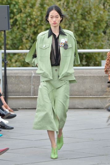 Roland Mouret SS19 LFW Fashion Voyeur Blog 5 Green Suit
