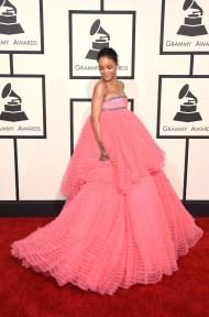 Rihanna in Giambattista Valli