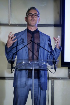 NEW YORK, NY - SEPTEMBER 10: Actor Alan Cumming speaks onstage during The Daily Front Row's Third Annual Fashion Media Awards at the Park Hyatt New York on September 10, 2015 in New York City. (Photo by John Lamparski/Getty Images for The Daily Front Row)