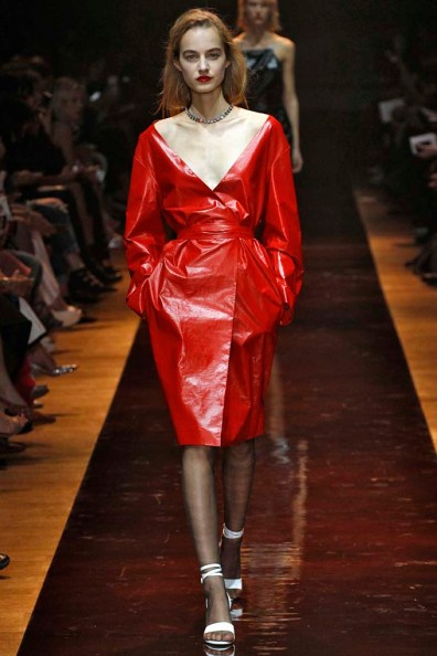 Nina Ricci Paris RTW Spring Summer 2016 September-October 2015