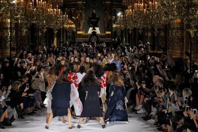 Stella McCartney Paris RTW Spring Summer 2017 September - October 2016