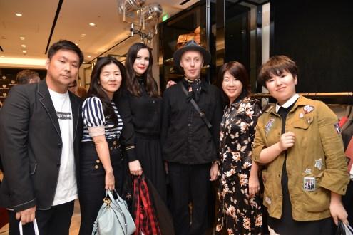 VOGUE_JAPAN_EDITOR_TEAM_GEN_ARAI_SAORI_MASUDA_MITSUKO_WATANABE__YUI_SUGIYAMA__ALL_EDITORS_2121