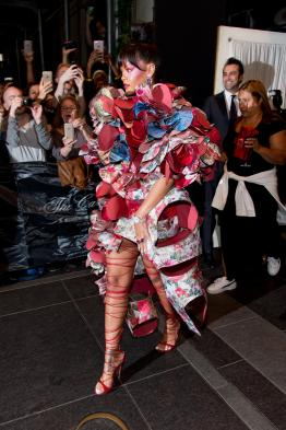 """NEW YORK, NY - MAY 01: Rihanna is seen departing the Carlyle Hotel to attend """"Rei Kawakubo/Comme des Garcons: Art Of The In-Between"""" Costume Institute Gala on May 1, 2017 in New York City. (Photo by Roy Rochlin/Getty Images)"""