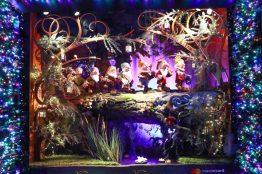Saks x Disney Holiday Window (4)