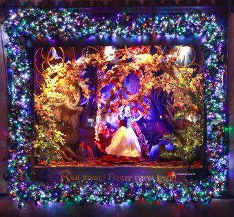 Saks x Disney Holiday Window (8)