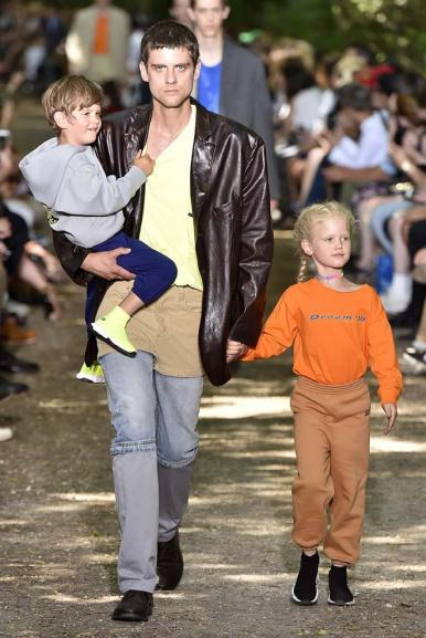 Balenciaga mens spring 2018 (FirstView)