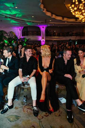 Eli Mizrahi, Paris Hilton, Trey Laird, Emily Ratajkowski (Hannah Turner-Harts)