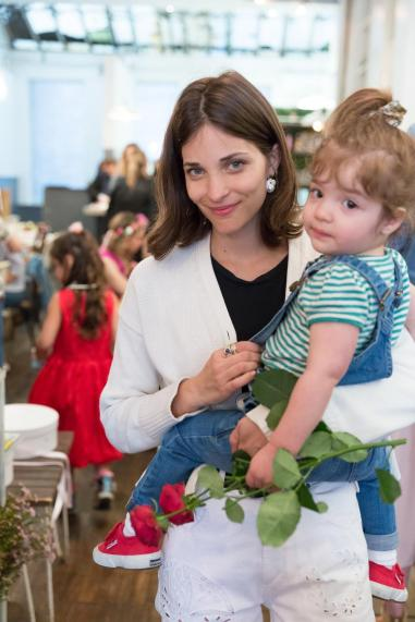 Maria Duenas Jacobs and her daughter