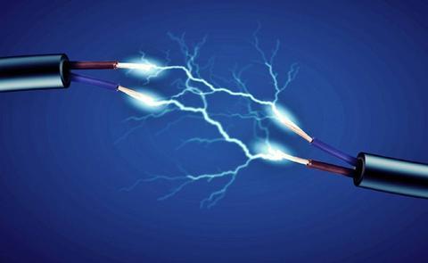 من اخترع الكهرباء