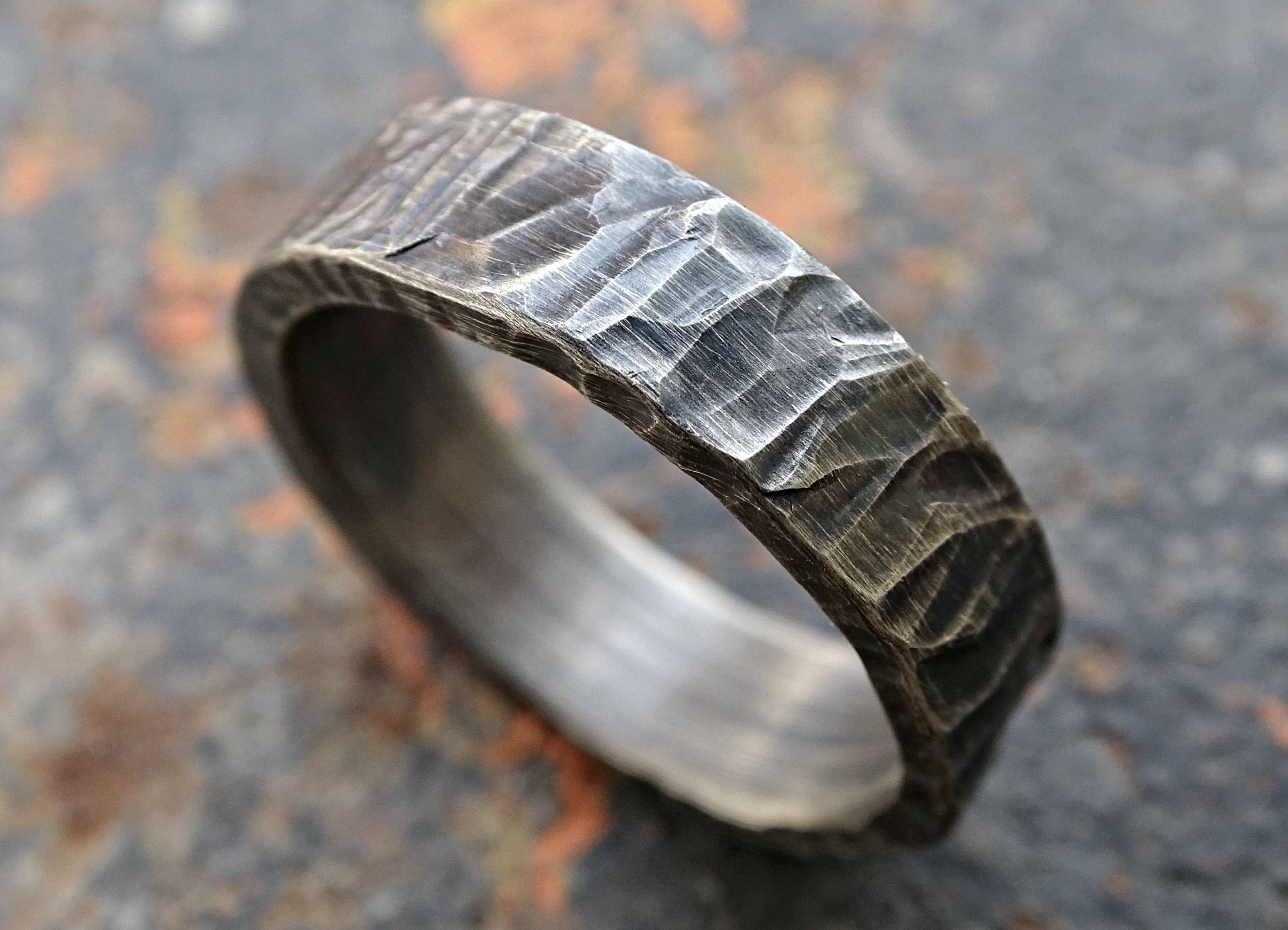 15 Ideas Of Cool Mens Wedding Bands