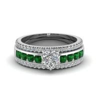 15 Inspirations of Diamond Claddagh Engagement & Wedding ...