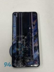 被車子輾過的samsung A8S 不只玻璃裂,螢幕也不顯示了!!三星手機維修