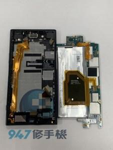 被車門夾到的SONY XZP 破裂的面板以及悲痛萬分的機主!! SONY 手機維修