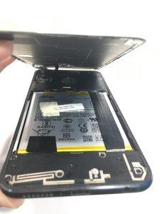 中暑暈倒手機也不小心摔倒了,ZenFone5來947修手機掛急診更換螢幕!ASUS手機維修
