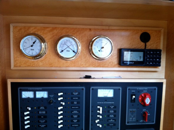 New set of instruments - clock, barometer, comfortmeter