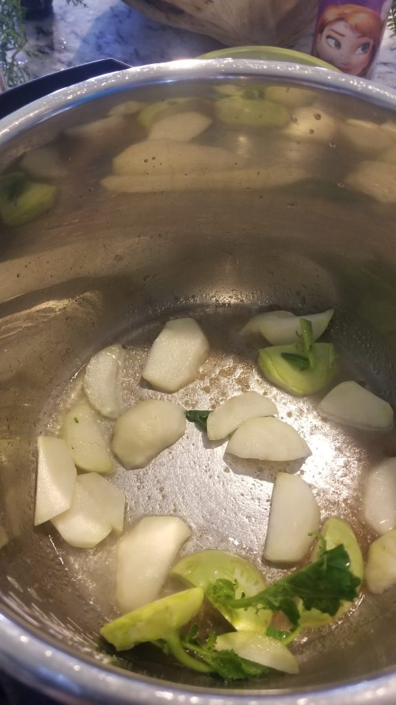 add kohlrabi bulbs to instant pot