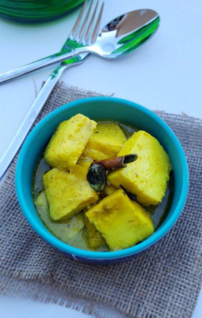transfer kashmiri paneer to serving dish