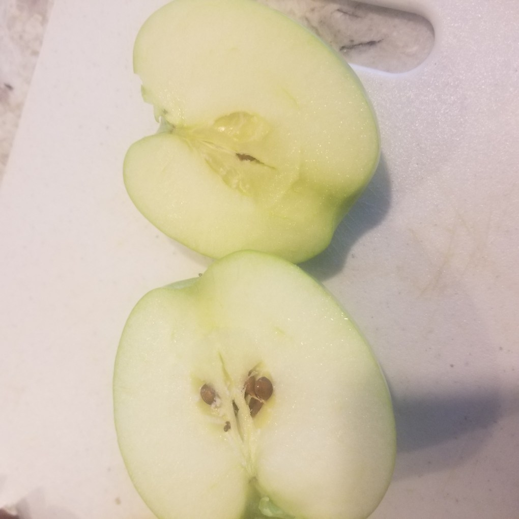 cut apple green