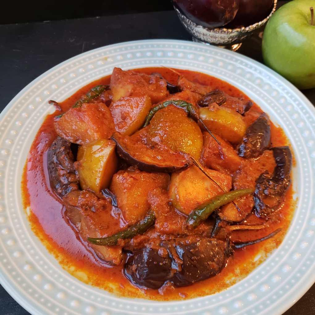 apple eggplant curry kashmiri baingan