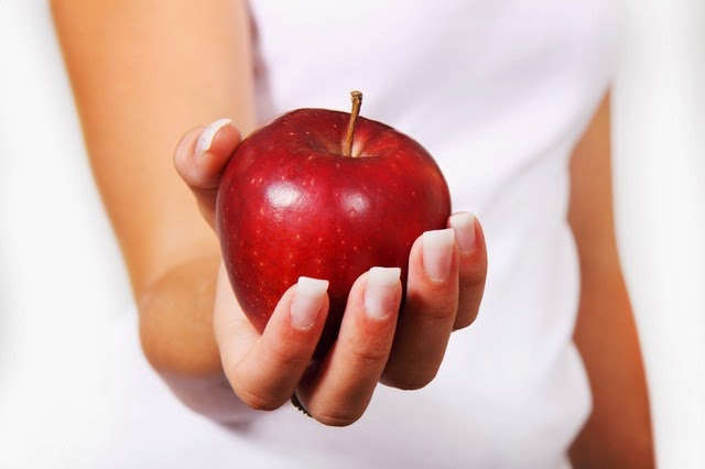 Benefits of eating apple in the morning
