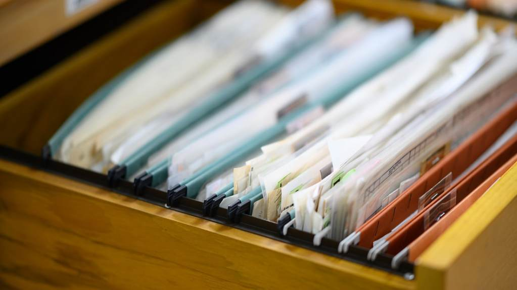 How to Manage Records for a Home-Based Business