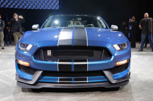 Ford-Shelby-GT350R-Mustang-front-end