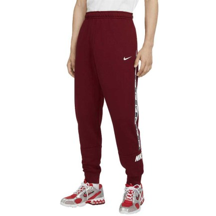 The Nike NSW Repeat Jogger for men