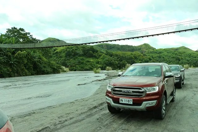 ford-everest-lahar-beds-philippines