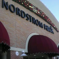 nordstrom rack centre now closed