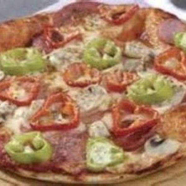 photos at dd pizza
