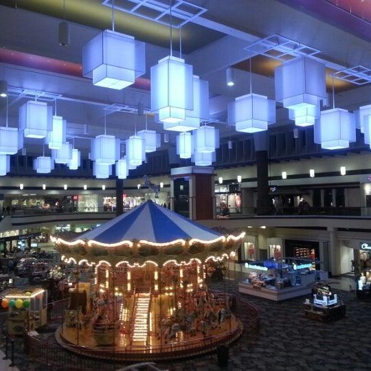 Maplewood Mall  Maplewood  Oakdale  3001 White Bear Ave N