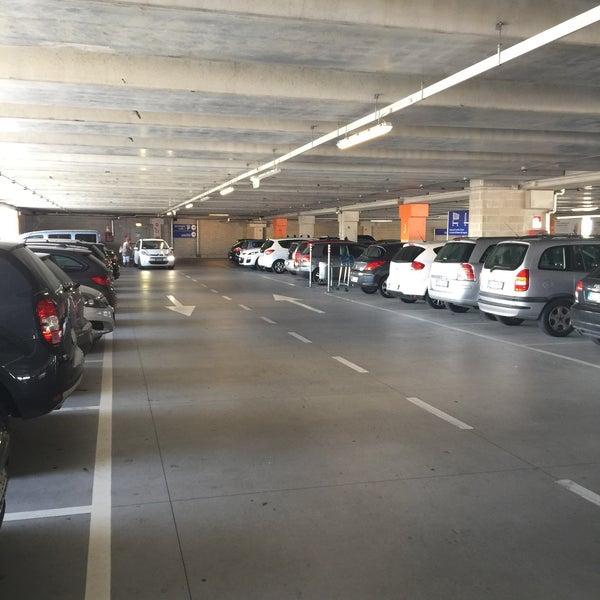 Parcheggio 1 Consiglio Da 153 Visitatori
