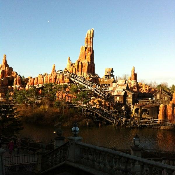 Disneyland paris · big thunder mountain · star wars hyperspace mountain · pirates of caribbean · it´s a small world · essen und trinken. Big Thunder Mountain Chessy Ile De France