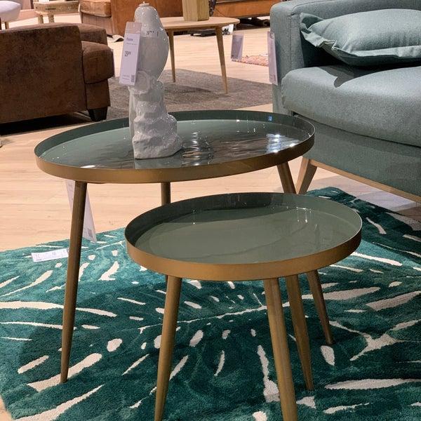 Fissi, ad angolo o trasformabili, dalle linee retrò o dal design moderno, scegli. Photos At Maisons Du Monde Furniture Home Store
