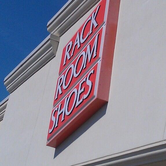 rack room shoes shoe store