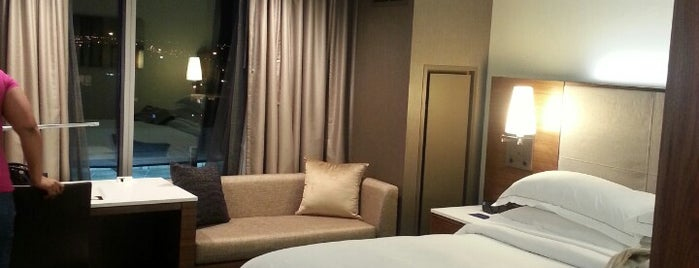beaumont sofa bjs best pull out sleeper the 15 places for lounges in columbus hilton downtown is one of